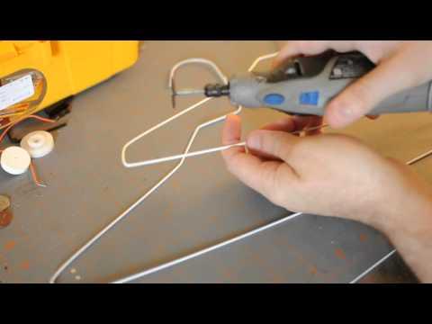 Tip: Wire Hangers