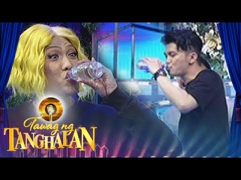 Tawag ng Tanghalan: Vice and Vhong share one bottled water