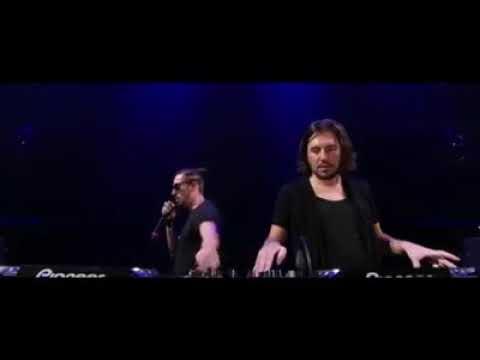 أغرب DJ يتحكم في الجمهور بالموسيقى 😱😨