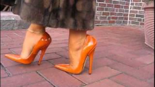LADY BARBARA SEXY HEELS WALKING