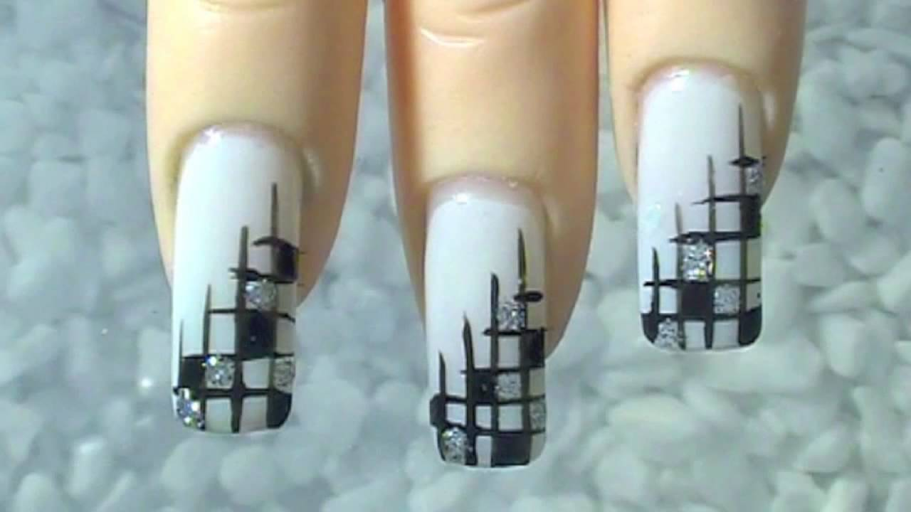 Nail Art Design Edles Gitter Black White Silver Noble Lattice