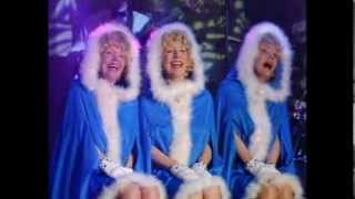 Beverley Sisters - I Saw Mummy Kissing Santa Claus (Singalong a Christmas)