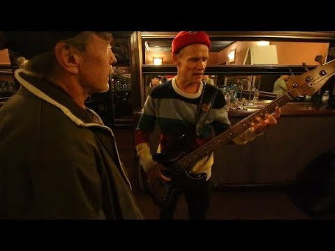 Flea's killer bass warm up - Bass Player Live 2017 - Vlog #315 Nov 10th 2017