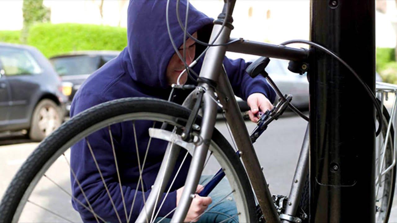 Викрадення велосипеда з-під дверей будинку культури