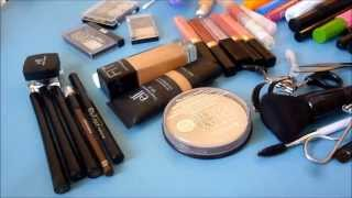 How I organize my makeup! Thumbnail
