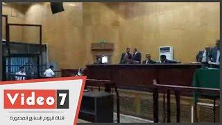 """بالفيديو .. جنايات الجيزة تستكمل محاكمة 11 متهما بقضية """"أحداث عنف منشية القناطر"""""""