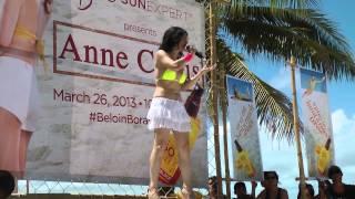 Comedian Angel at Boracay sings duet