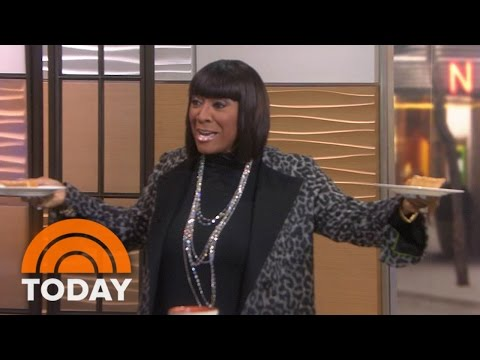 Patti LaBelle Surprises Willie, Tamron With Sold Out Sweet Potato Pie | TODAY