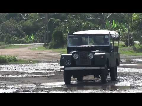 Land Rover classic S1 at Colombo Off Road
