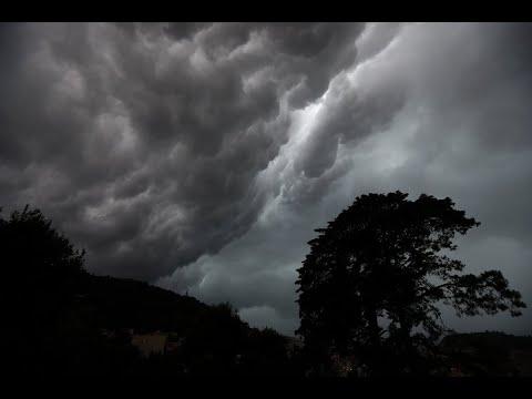 علماء فلك روس يعلنون بداية موسم -الغيوم الفضية-  - 13:23-2018 / 7 / 20
