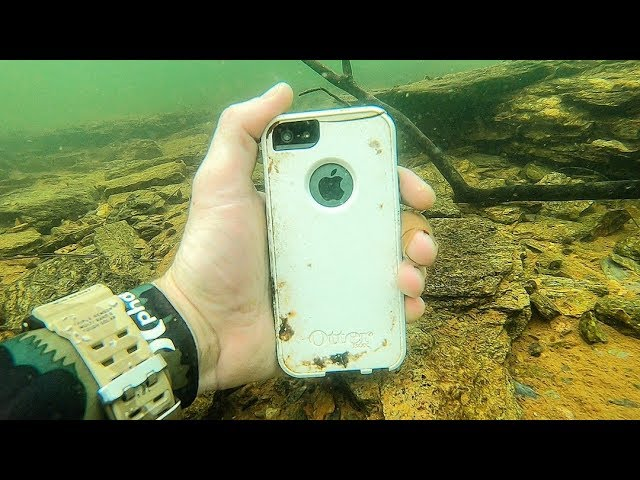 i-found-an-iphone-underwater-while-searching-for-lost-valuables-underwater-finds