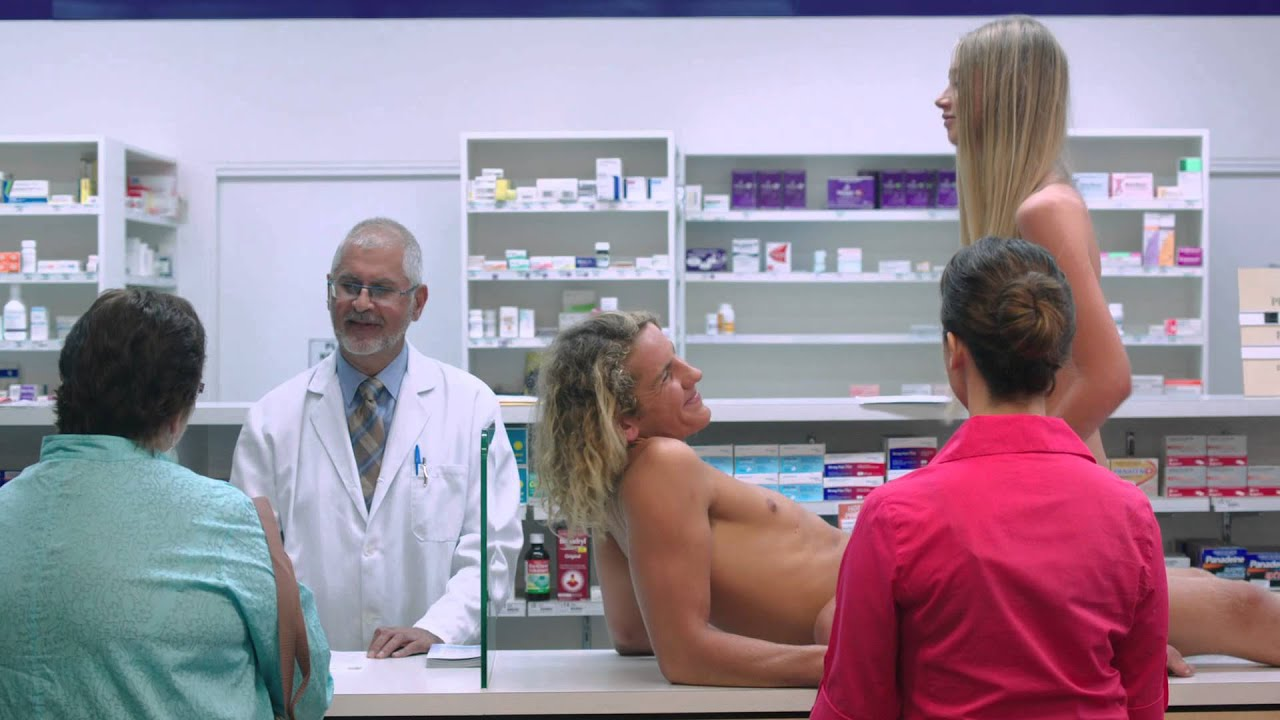 Girl Naked During a commercial - YouTube