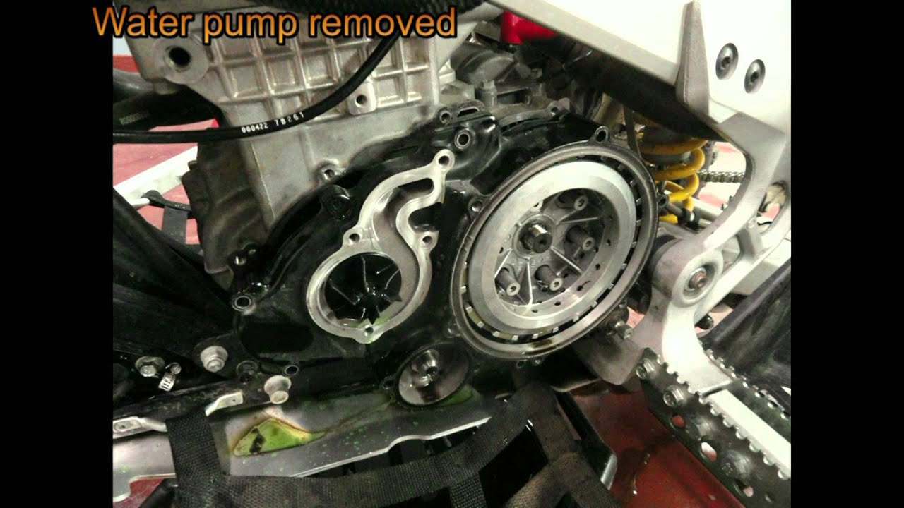 remove ds 450 clutch way 1 youtube rh youtube com Rotax Engine Design Air Cooled Engine Diagram
