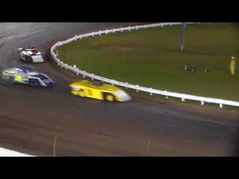 Modified Bmain 3 @ Farley Speedway 10/20/17