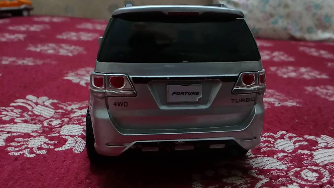 centy toy toyota fortuner