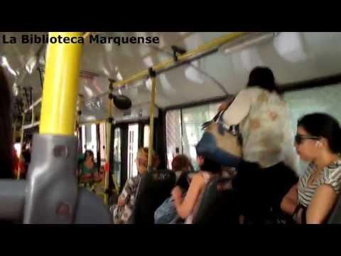 Abordando un bus de transporte público de Buenos Aires (Argentina)