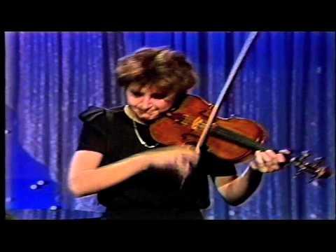 Nadja Salerno-Sonnenberg Plays Mendelssohn's Violin Concerto on the Tonight Show