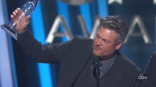 Download Blake Shelton Wins Single of the Year at CMA Awards 2019 - The CMA Awards Mp3 and Videos