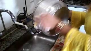 Dicas de economia: Pasta desengordurante e brilho alumínio - Modo de fazer.