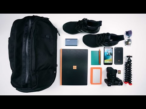 THE ULTIMATE 2017 TECH TRAVEL BAG - Ep. 8