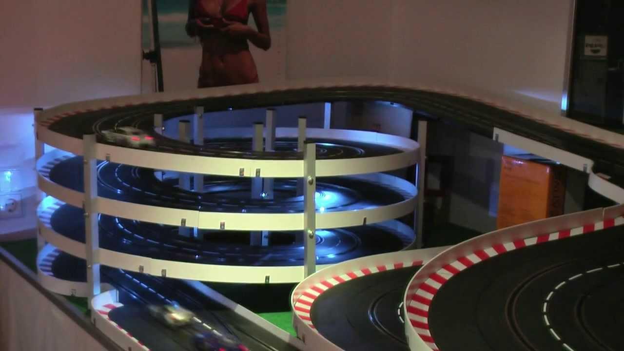 25m carrera bahn mit 1170 kreisel und beleuchtung youtube. Black Bedroom Furniture Sets. Home Design Ideas