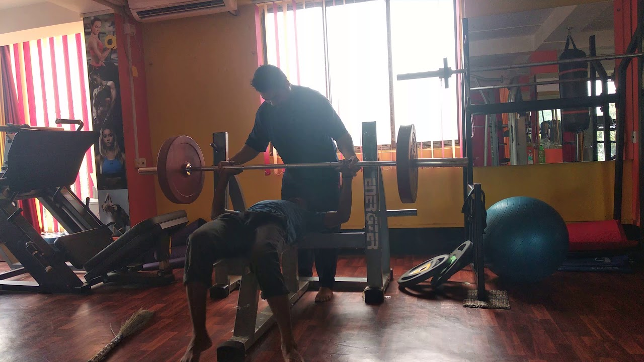 Download Gymnexia swiper try to bench 70kg