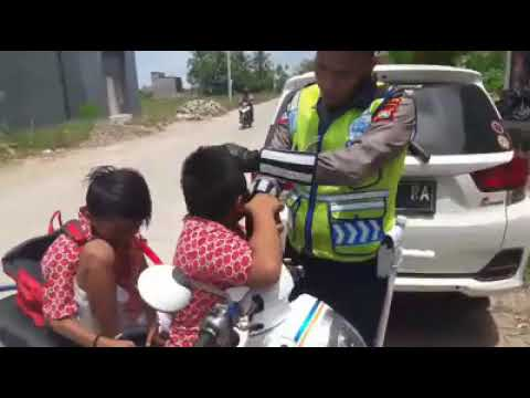 Vodeo Viral, Bocah SD Menangis Ditilang Polisi