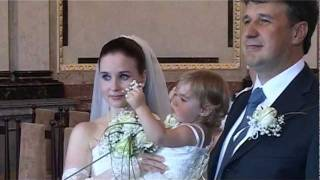 А вы бывали на таких свадьбах? Умиляет и ребенок и ...