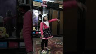 4years old girl dancing so lovely and nicely