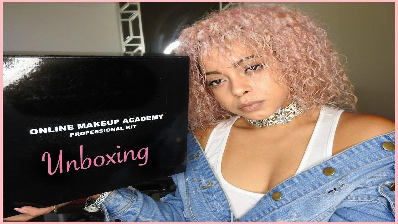 Online makeup academy pro kit unboxing youtube online makeup academy pro kit unboxing xflitez Image collections