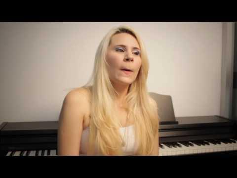 Professora Gabriela Canto Piano e Teclado