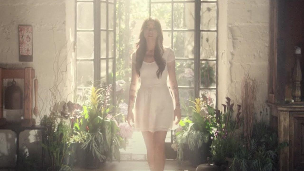 Download christina perri feat. jason mraz - distance [official music video]