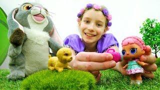 София Прекрасная - Куклы ЛОЛ помогают щенку - Видео для девочек