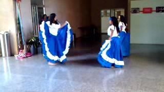 Grupo de Danza bailando Barlovento