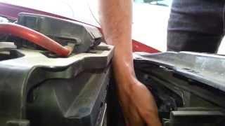 Sustitución lámpara de luz de cruce Seat León 2001