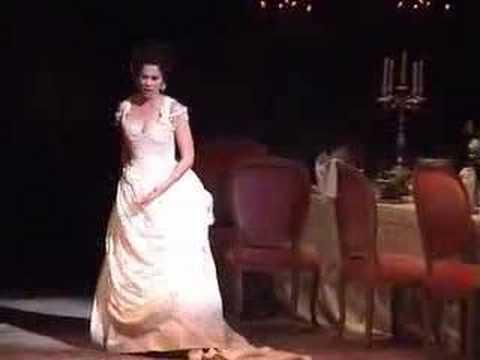 Elizabeth Futral - Act 1 Finale - La Traviata