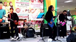 Suasana Hari raya - Anuar & Ellina Cover By Delova