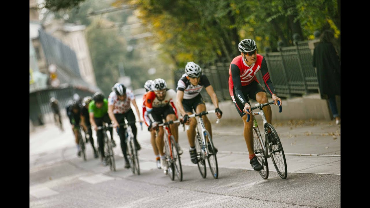 Fixed Gear Bike Racing In The Streets Of Moscow Youtube