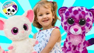 The Three Little Kittens Nursery Rhyme song for kids by Toys and Erika