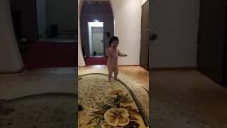 Танцуй пока молодая