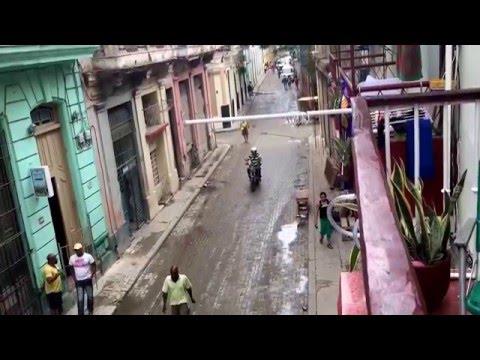 Walking in the streets of Old Havana & Varadero, Cuba (Nov. 2015)