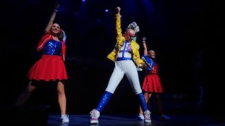 """JoJo Siwa """"Queen"""" live performance (We Will Rock you,Another one bites the dust,We are The Champions"""