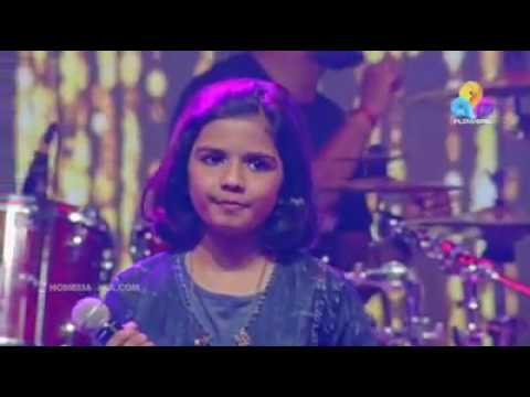 Maanathe Maarikkurumbe Song Singing Shreyakkutty