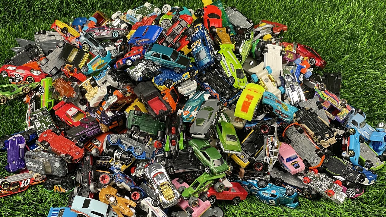 300 + Small Car HOT WHEELS Collection A lot of Hot Wheels