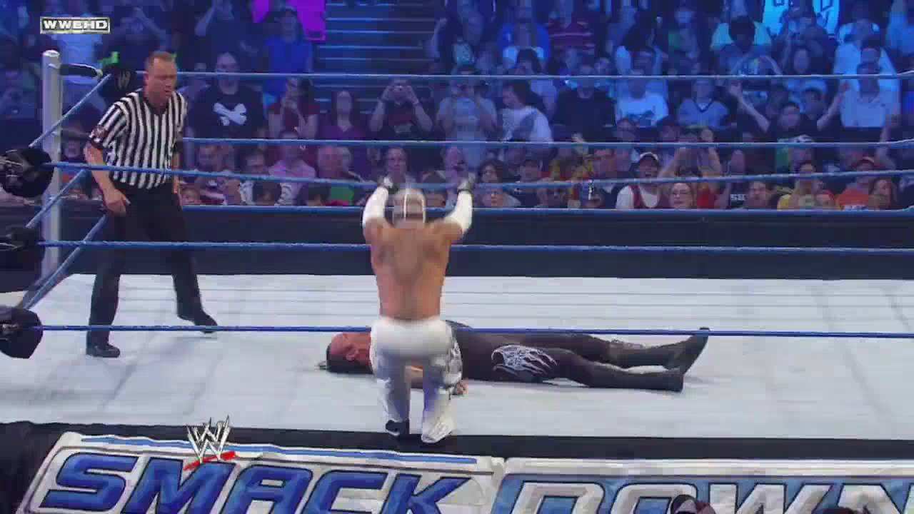The Undertaker VS Rey Mysterio 2/2 (Taker Gets Injured ...