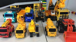 電動挖土機怪手|工程車玩具開箱|玩具劇場 Excavator Construction Vehicles for Kids【 love TV小寶愛你笑】