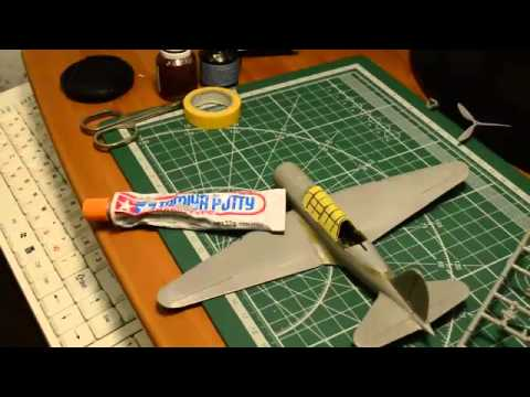 видео: Сборка модели самолета Су-2 от icm