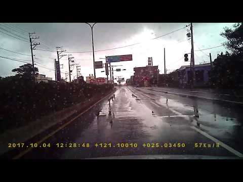 小貨車ACM-8352雨天闖紅燈PICT4907