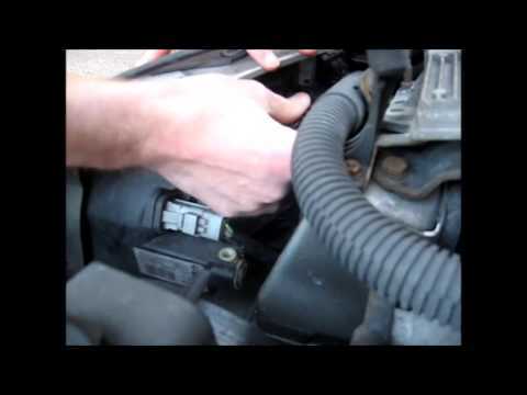 how to change the headlight bulbs on a peugeot (shown on a peugeot