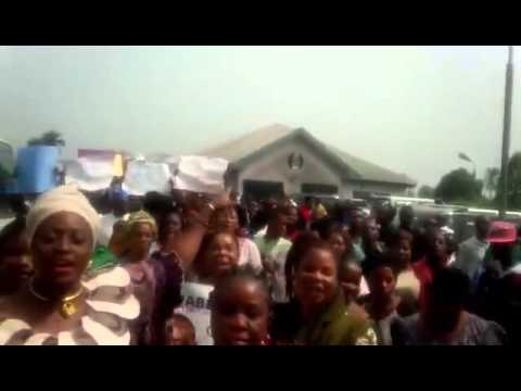 Women of Ogoni land welcome Muhammadu Buhari